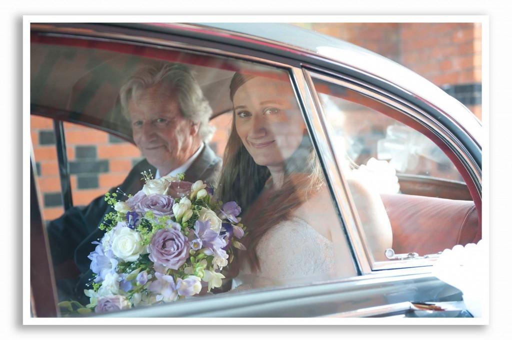 Elvetham-Hotel-Wedding-Photography_008