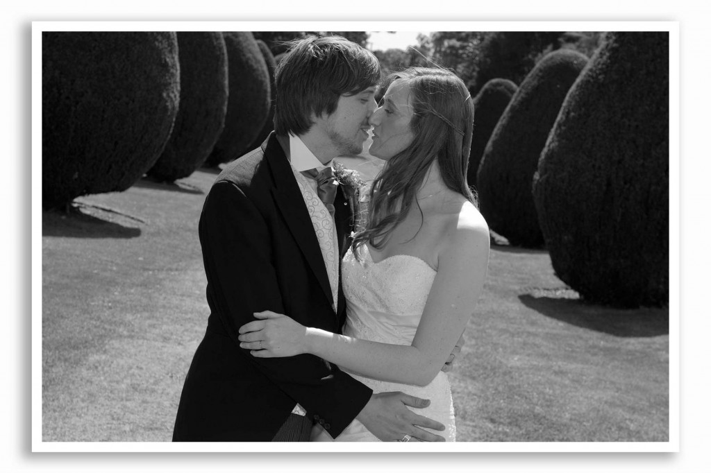 Elvetham-Hotel-Wedding-Photography_021